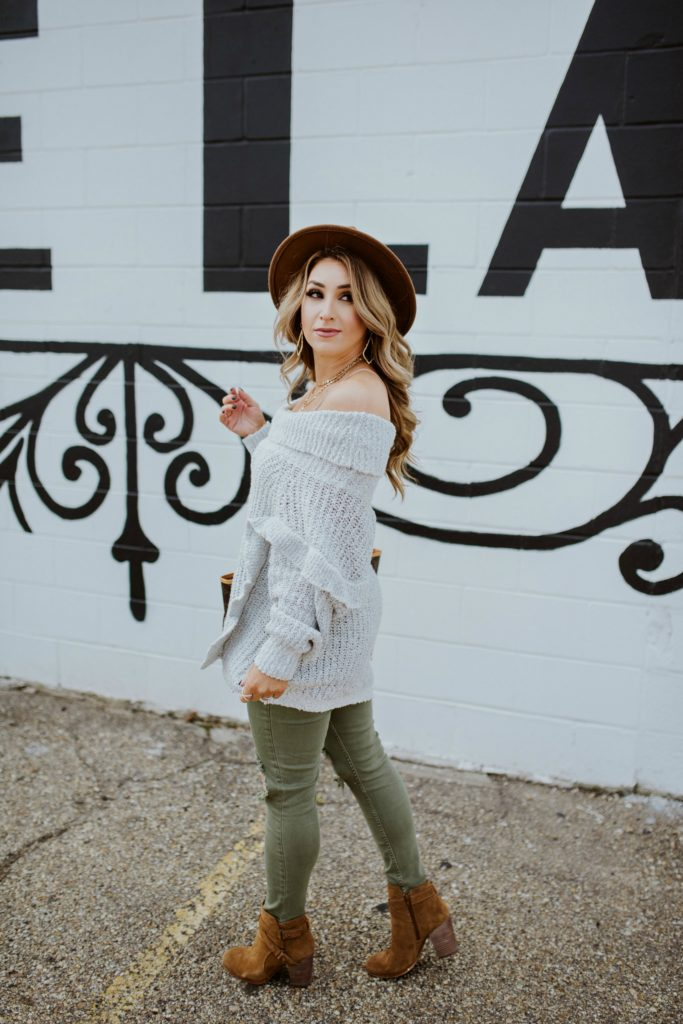 Holiday Casual Outfits for Women